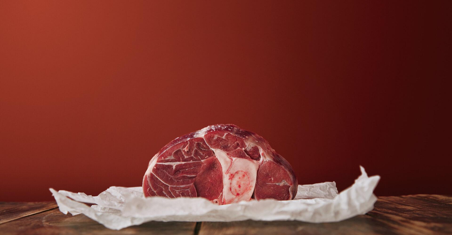 organic and non-organic meat