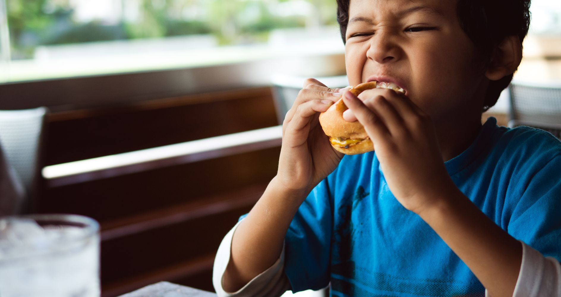 What are the disadvantages of eating fast food?