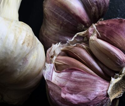 Do you know what is the difference between black and white garlic